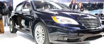 2011 NAIAS: Chrysler 200 [Live Photos]