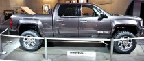 2011 NAIAS: GMC Sierra All Terrain HD Concept [Live Photos]