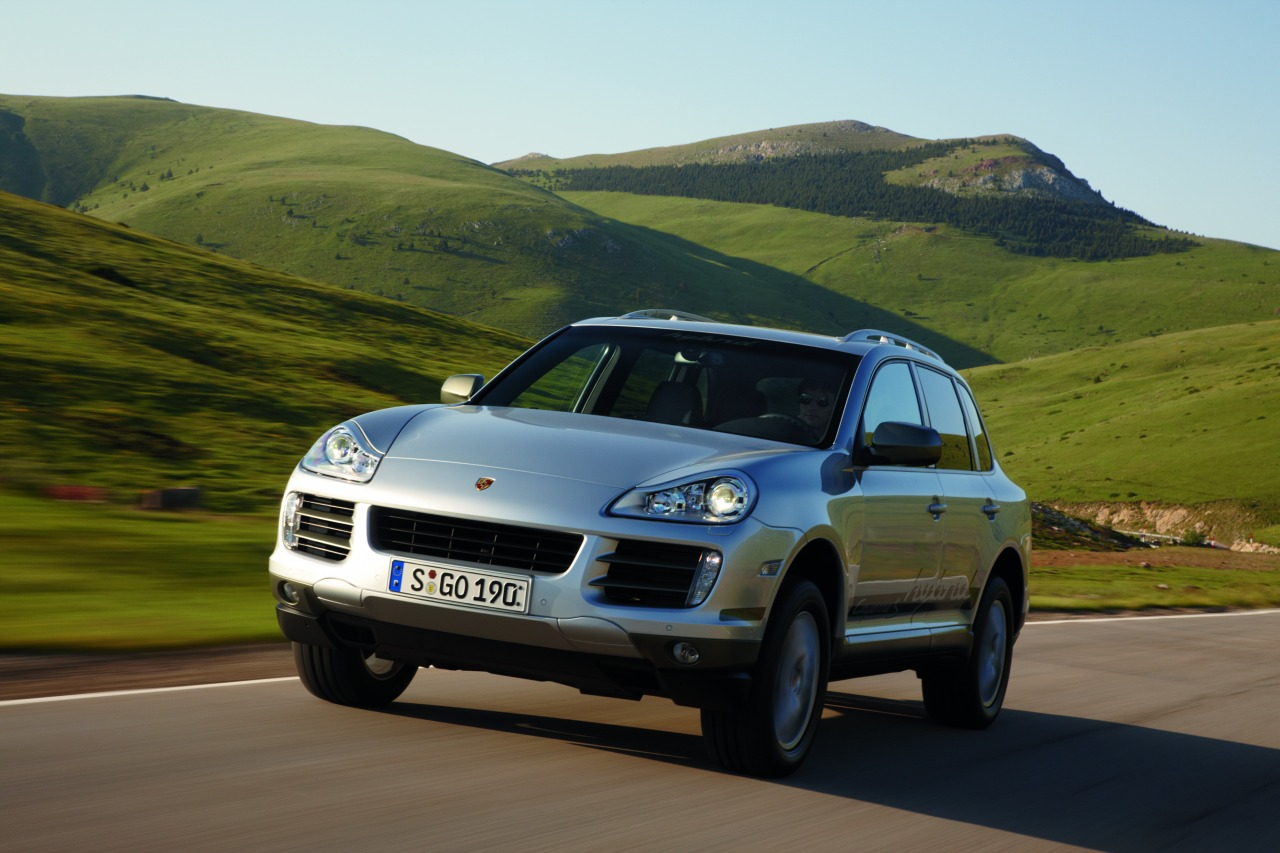 2011 Porsche Cayenne S Hybrid Reaches the US  autoevolution
