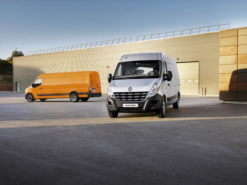2011 renault master equipment levels and prices autoevolution. Black Bedroom Furniture Sets. Home Design Ideas