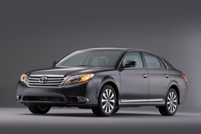 2011 toyota avalon and sienna auto access us pricing. Black Bedroom Furniture Sets. Home Design Ideas