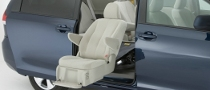 2011 Toyota Sienna Auto Access Seat Debuts at NAIAS