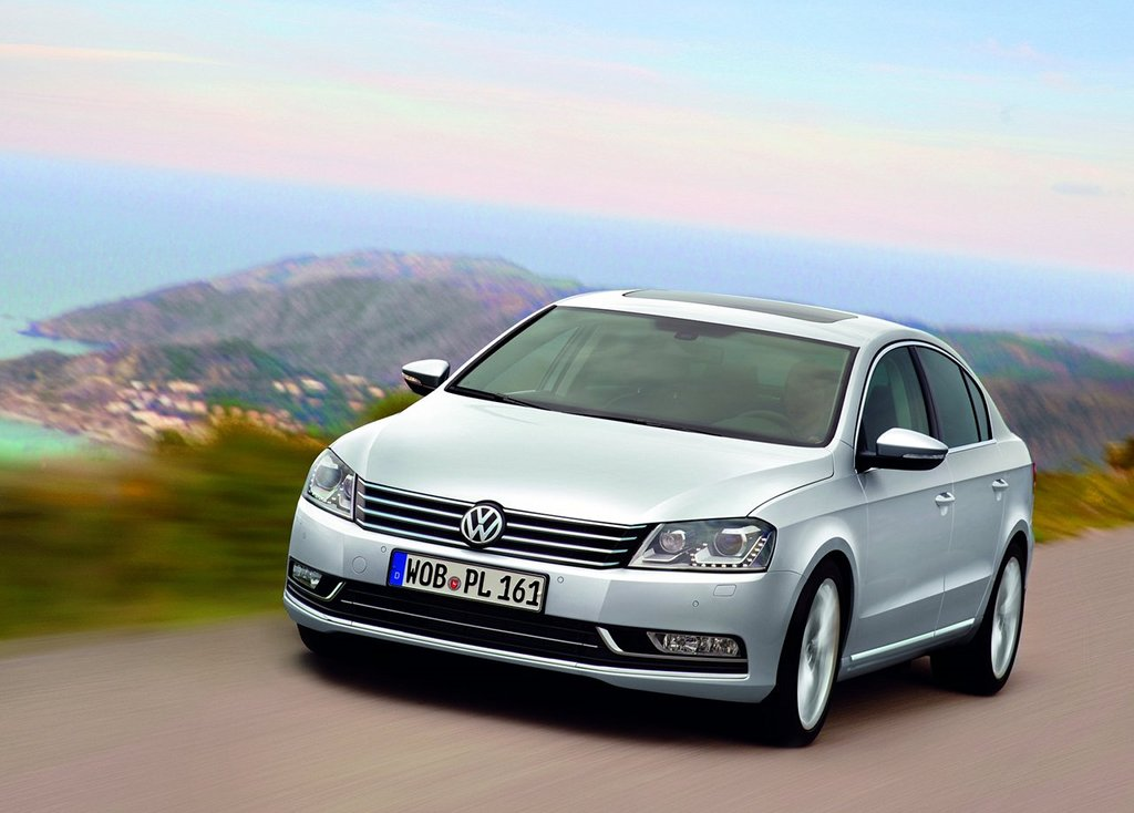 2011 volkswagen passat to get chinese long wheelbase version autoevolution. Black Bedroom Furniture Sets. Home Design Ideas