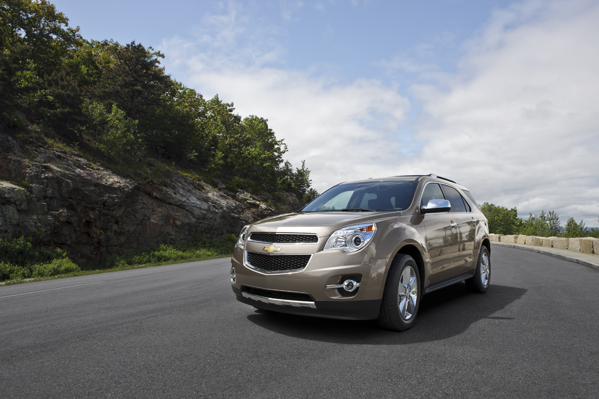 2012 chevrolet equinox gets mylink crash avoidance system autoevolution. Black Bedroom Furniture Sets. Home Design Ideas