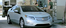 2012 Chevrolet Volt Bewilders and Upsets in Gas Station [Video]