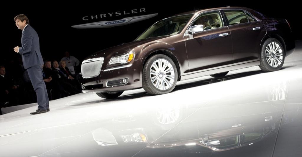 2012 chrysler 300c executive series introduced autoevolution. Black Bedroom Furniture Sets. Home Design Ideas