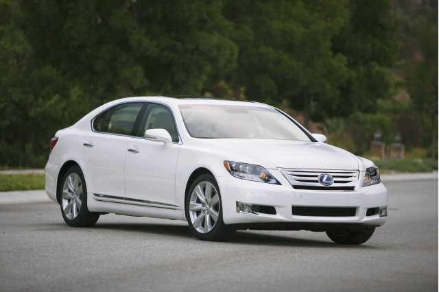 https://s1.cdn.autoevolution.com/images/news/2012-lexus-ls-600h-l-introduced-38372_1.jpg