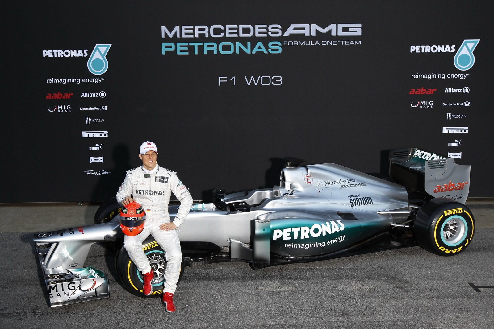 Image gallery logo petronas f1 car for Mercedes benz f1 drivers