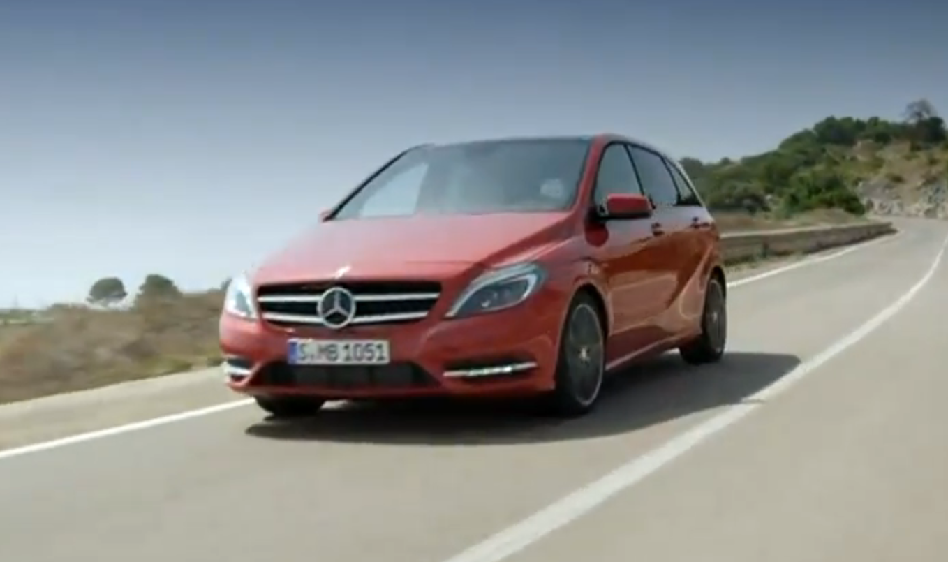 2012 mercedes b klasse hits the road video autoevolution. Black Bedroom Furniture Sets. Home Design Ideas