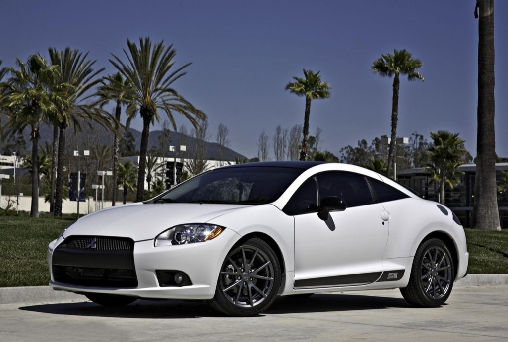 https://s1.cdn.autoevolution.com/images/news/2012-mitsubishi-eclipse-special-edition-coupe-and-spyder-released-34645_1.jpeg