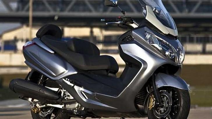 Yamaha Maxi Scooter Review