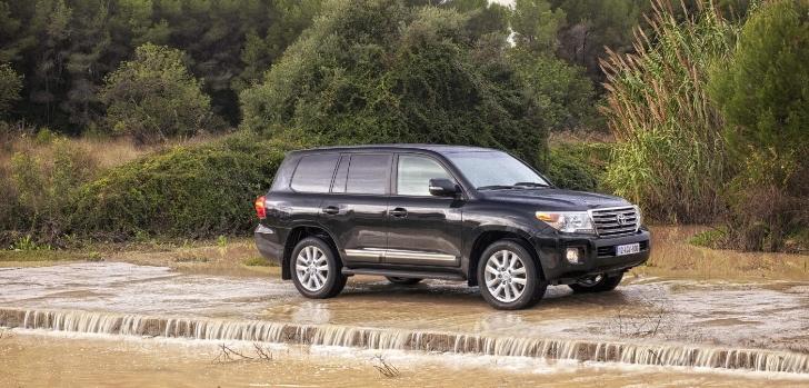2012 Toyota Land Cruiser V8 UK Pricing Announced - autoevolution