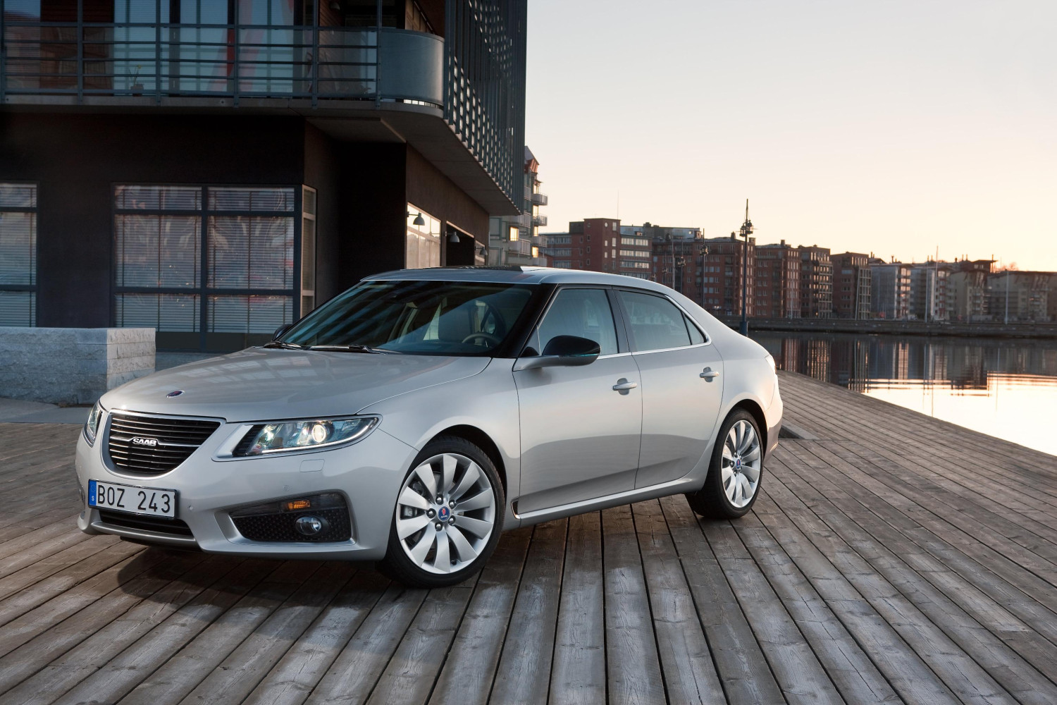 2012my saab 9 5 sportwagon new uk prices and specs announced autoevolution. Black Bedroom Furniture Sets. Home Design Ideas