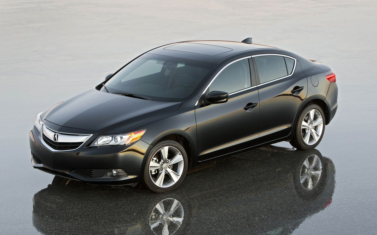 2013 Acura ILX Luxury Sedan Unveiled - autoevolution