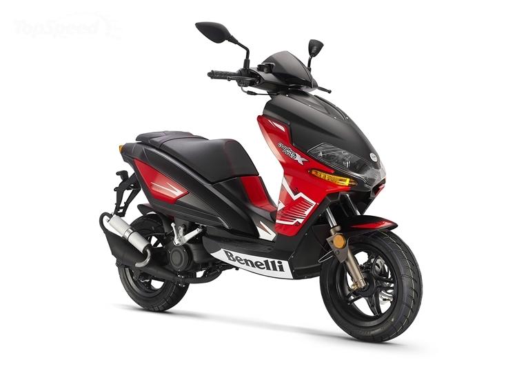 2013 Benelli QuattronoveX, a Truly Aggressive Scooter - autoevolution