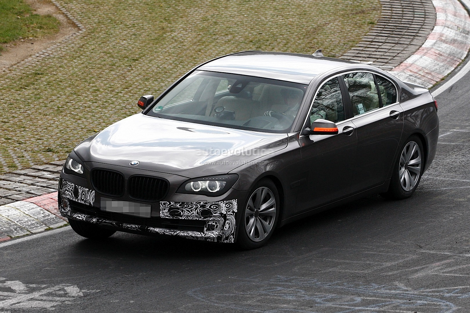 All BMW Models 2013 bmw 7 series 2013 BMW 7-Series Facelift New Features Revealed - autoevolution