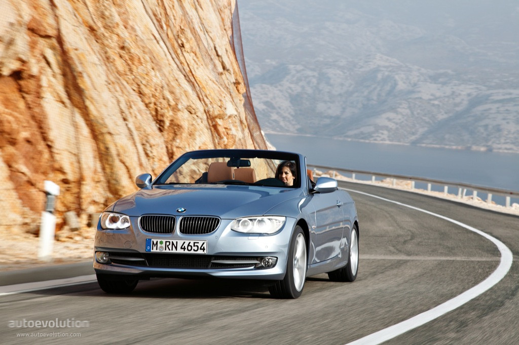 2013 Bmw E93 3 Series Cabriolet Review By Auto123 Com Autoevolution