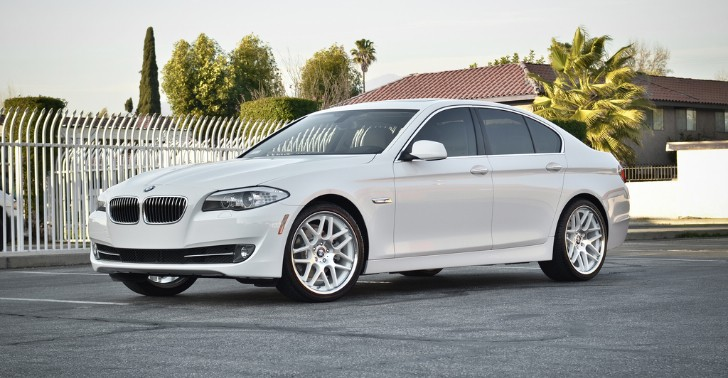 2013 BMW F10 5 Series 528i Sits on Rennen Wheels