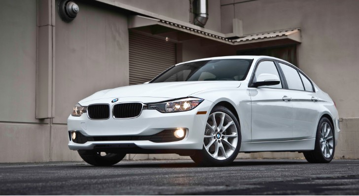2013 BMW F30 320i Test Drive by MotorTrend