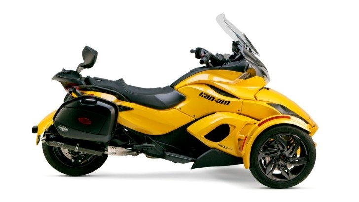 2013 Can-Am Spyder Line-Up Receives TBR Carbon and Titanium Exhaust [Video]