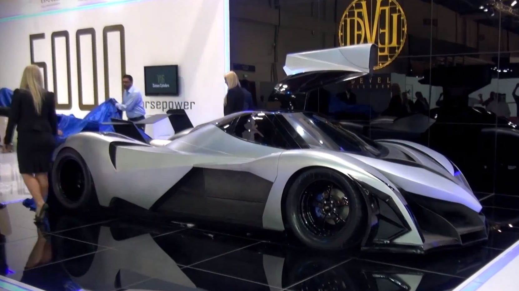 2013 dubai 5000 hp devel sixteen autoevolution. Black Bedroom Furniture Sets. Home Design Ideas
