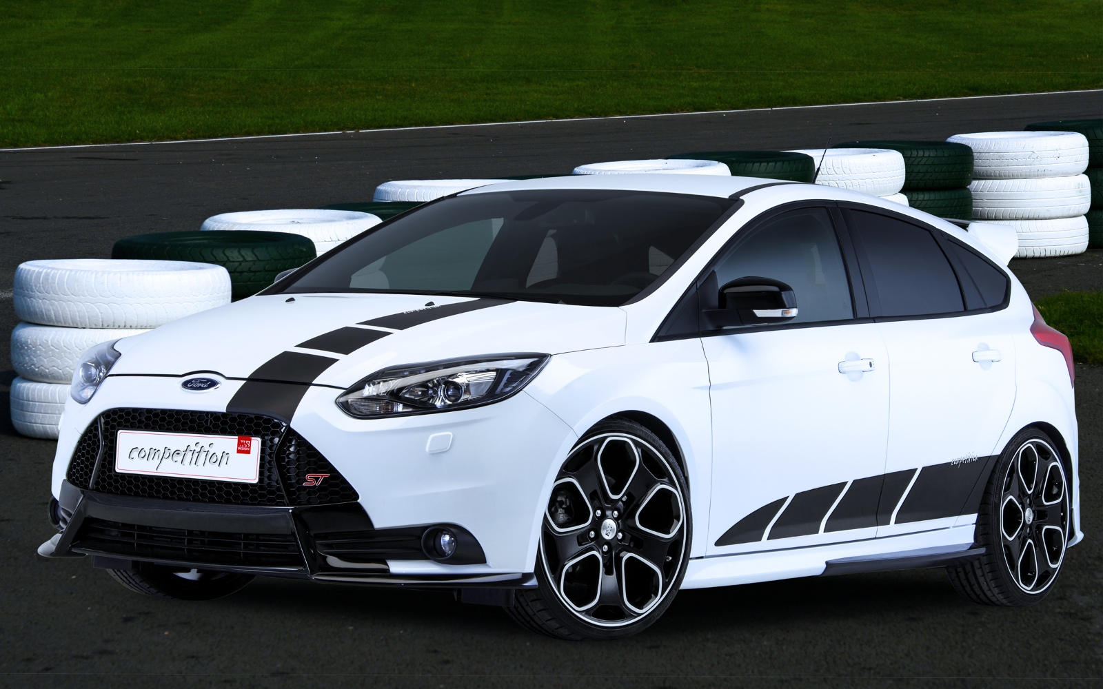 2013 ford focus st competition by ms design looks hot. Black Bedroom Furniture Sets. Home Design Ideas