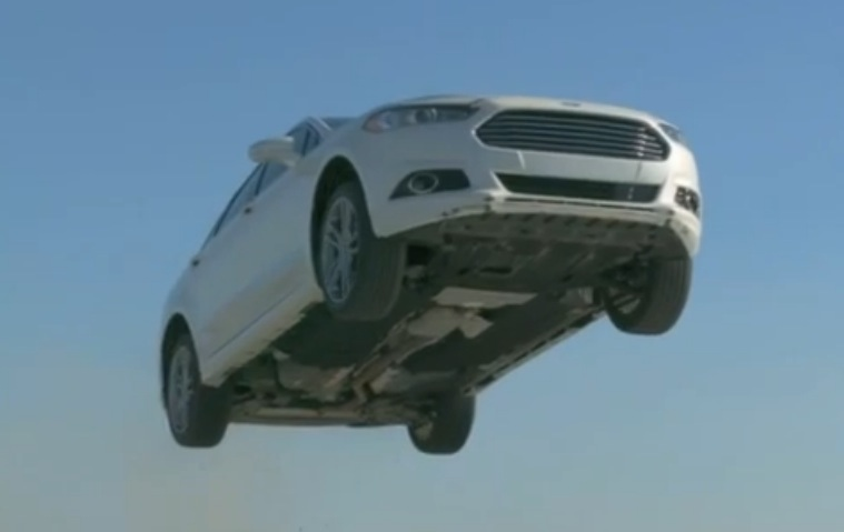 2013 ford fusion jumps off a cliff in tv commercial autoevolution. Black Bedroom Furniture Sets. Home Design Ideas