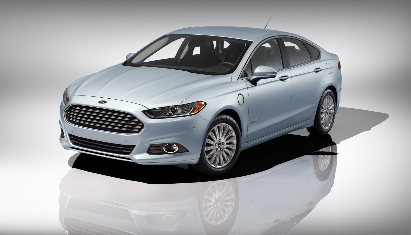 2013 ford fusion pricing starts at 22 495 autoevolution. Black Bedroom Furniture Sets. Home Design Ideas