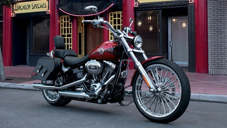 2013 Harley-Davidson Breakout on Display in Germany [Photo Gallery]
