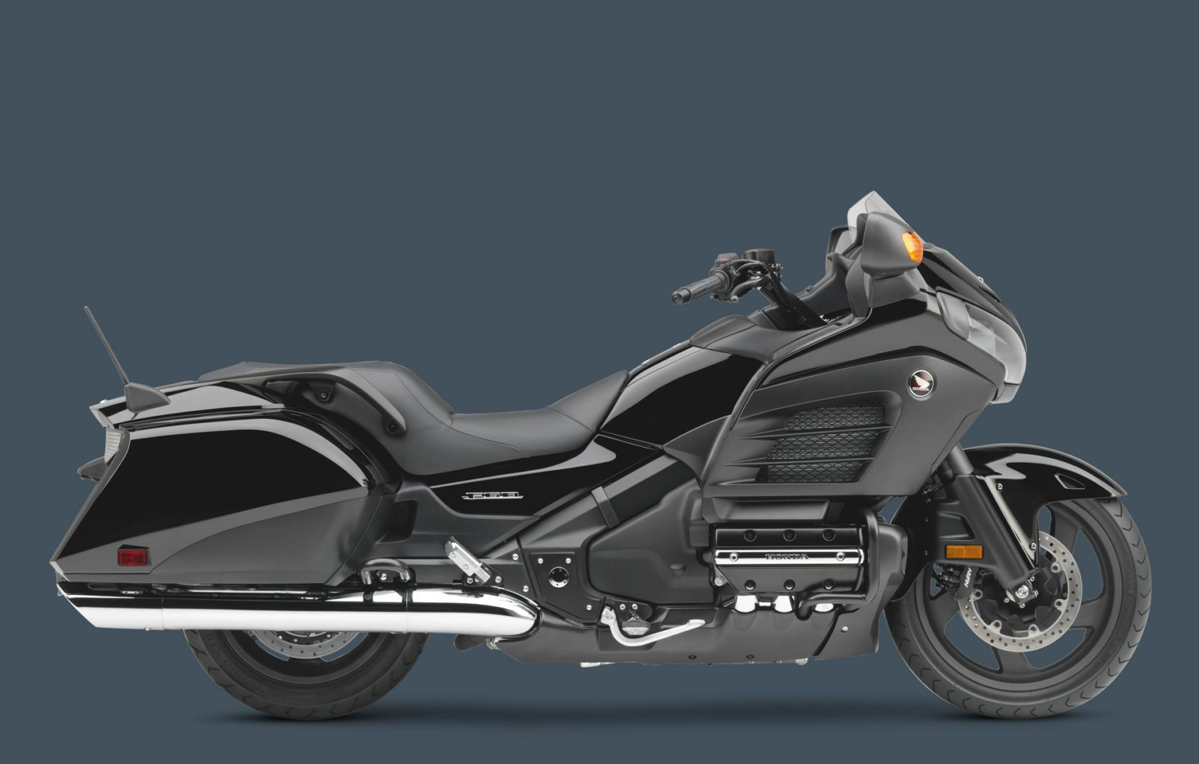 2013 Honda Brings Changes in the Flagship Gold Wing F6B - autoevolution