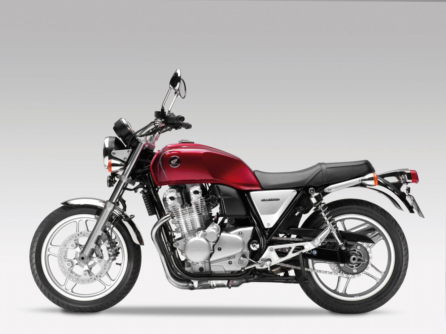 2013 Honda Cb1100 Screams Classic Attitude Autoevolution