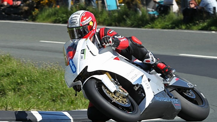 2013 IOM TT: Michael Rutter and MotoCzysz Win the Third TT Zero Race in a Row