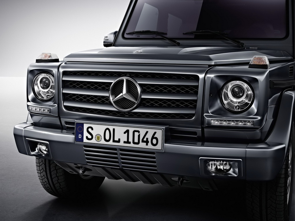 2013 mercedes g class facelift revealed autoevolution. Black Bedroom Furniture Sets. Home Design Ideas