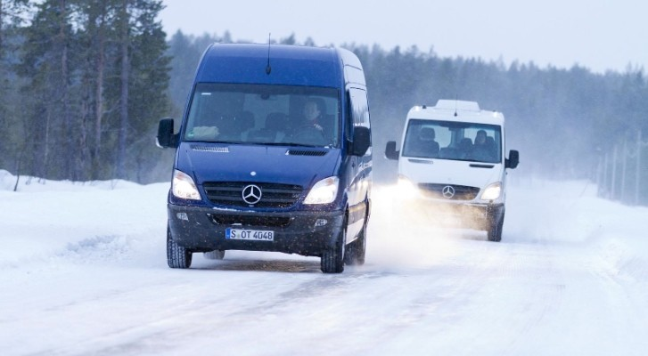2013 Mercedes Sprinter Facelift with 7G-Tronic Revealed