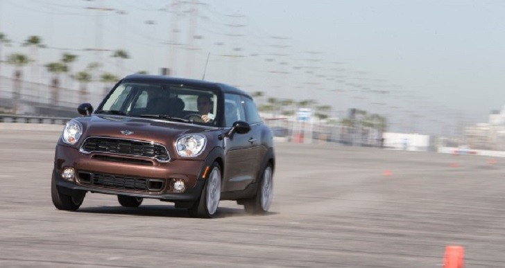 2013 mini cooper s paceman track test review autoevolution. Black Bedroom Furniture Sets. Home Design Ideas