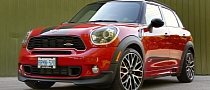 2013 MINI JCW Countryman ALL4 Review by Autos.ca