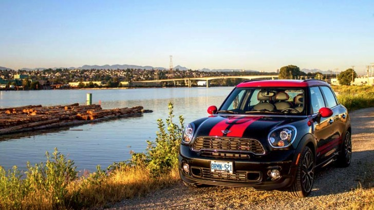 2013 MINI JCW Countryman Review by Autos.ca