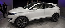 2013 NAIAS: Lincoln MKC Concept [Live Photos]