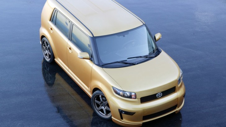 2013 Scion xB Is an Outstanding Young Family Car