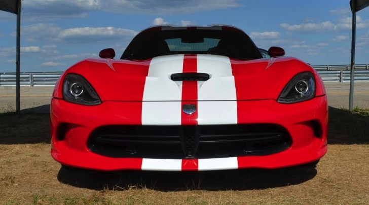2013 SRT Viper Gets Its Signature Stripes