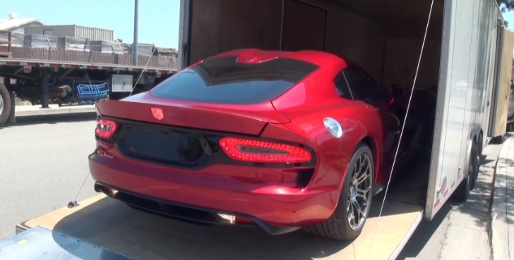 2013 SRT Viper GTS Customer Delivery [Video]