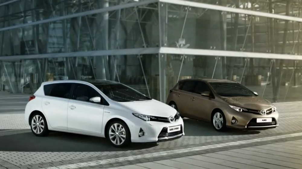 2013 toyota auris hybrid first commercial released autoevolution. Black Bedroom Furniture Sets. Home Design Ideas