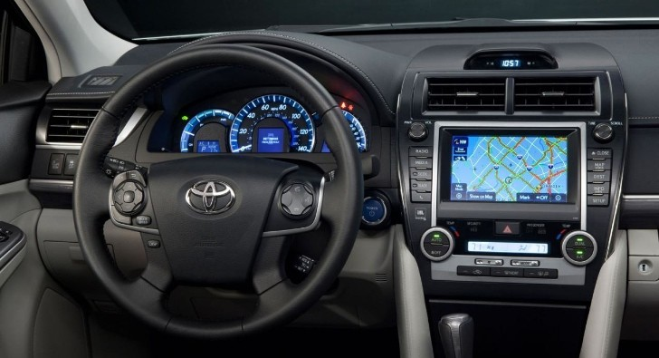 2013 Toyota Camry Gets Updated Interior Autoevolution