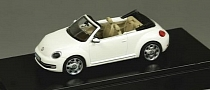 2013 Volkswagen Beetle Cabriolet Revealed as a Toy Model