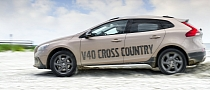 2013 Volvo V40 Cross Country Original Pictures