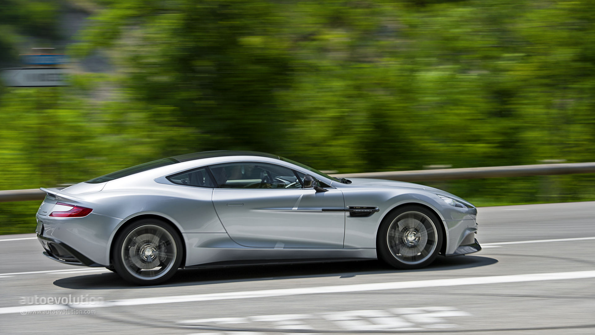 Aston Martin  Vanquish  Overview