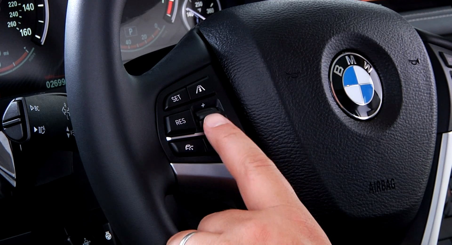 2014 Bmw F15 X5 Cruise Control Buttons Guide Autoevolution