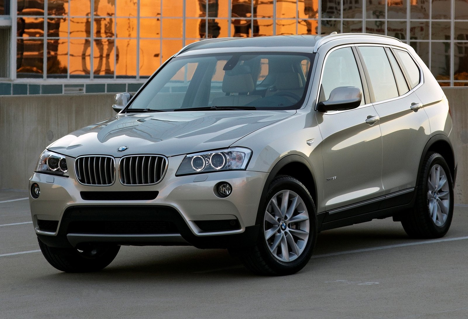 2014 bmw f25 x3 gets new standard features autoevolution. Black Bedroom Furniture Sets. Home Design Ideas