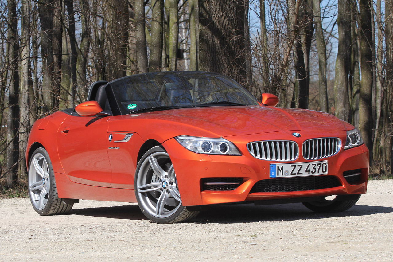 2014 bmw z4 sdrive35is review by autoblog autoevolution. Black Bedroom Furniture Sets. Home Design Ideas