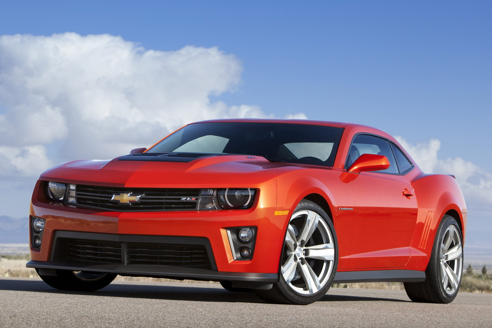 2014 Chevy Camaro Zl1 Vs 2013 Dodge Challenger Srt8 Vs